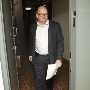 Teollisuusliiton puheenjohtaja Riku Aalto tiedotustilaisuudessa Helsingissä 11. lokakuuta 2021.