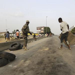Revolterande soldater i Abidjan, Elfenbenskusten 7.1.2017.