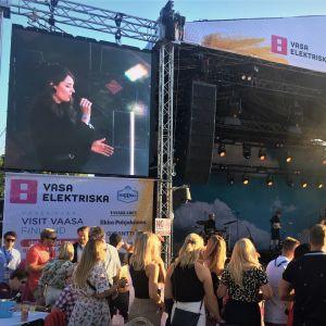 Behm esiintymässä Vaasa Festivalilla 2020