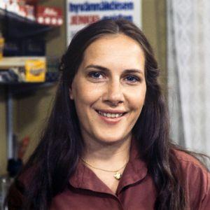 Tankki täyteen -sarjan roolihahmo Ulla Korpela, jota näyttelee Tuire Salenius.