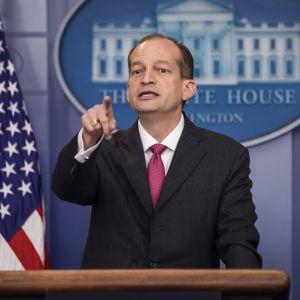 USA:s före detta arbetsmarknadsminister Alexander Acosta.