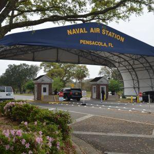 Yhdysvaltain laivaston lentotukikohdan portti Pensacolassa Floiridassa