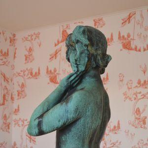 I Hotel Manta of Helsinki kan man se Havis Amanda i närbild.