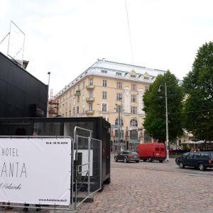 Intill Hotel Manta of Helsinki finns en liten butik där man kan köpa prylar som inspirerats av Havis Amanda.