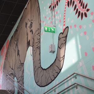 myrbacka tågstation, elefant, väggmålning,