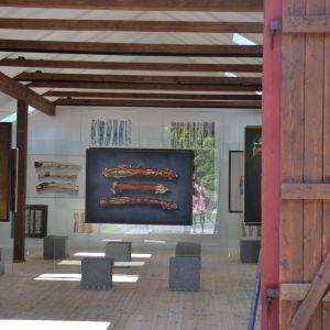 Verk vid Isabella Cabrals ateljé i Tvärminne.