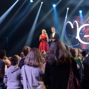 AK och Jontti på scenen under MGP 2016.