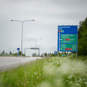 Riksväg 8 i Vikby.