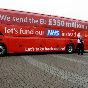 Britannian EU-eroa kannattavan Leave-kampanjan bussi.