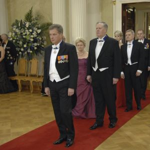 Riksdagens talman Sauli Niinistö anländer till slottet 2008.