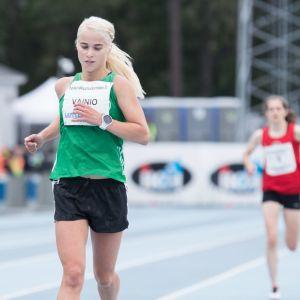 Alisa Vainio kuvassa.