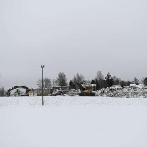Mikkelin Urpolan koulun rauniot.