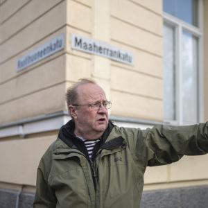 Entinen Yleisradion eläköitynyt toimittaja Pekka Havukainen