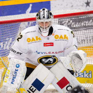 Joel Blomqvist.