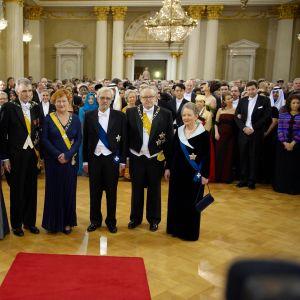 Tre presidentpar poserar inför kamerorna på slottet 2009.