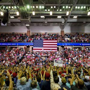 Trumps turné lockar supportrar.