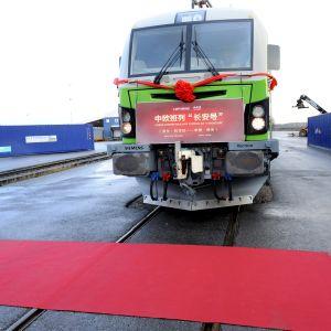 Kiinaan matkaava juna Kouvolassa.