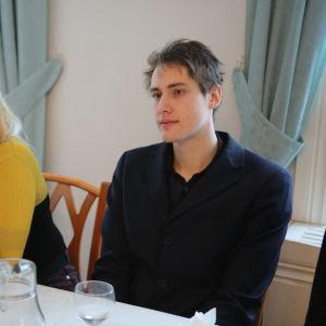 Jevgeni Annen kuvauksissa