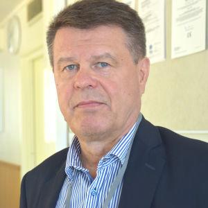 En man som heter Kari Väliaho.