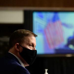 Entinen Yhdysvaltain kongressin oman poliisin entinen johtaja Steven Sund puhui Yhdysvaltain senaatissa kongressitaloon loppiaisena tehdystä hyökkäyksestä.
