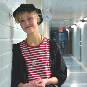 Porträtt av Riikka Aarnos.