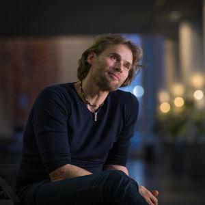 Suomen kansallisbaletin taiteellinen johtaja v. 2008-2018 ja Kalevalanmaa oopperan ohjaaja, tanskalainen Kenneth Greve, Ooppera, 7.11.2017.