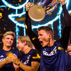 North-joukkue juhli DreamHack Masters Stockholmin voittoa.