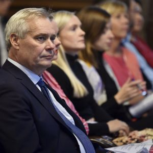 Antti Rinne med ministrar under budgetpresentationen 17.9.2019