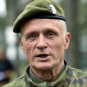 Timo Kivinen, Försvarsmakten.
