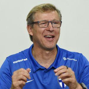 Förundskapten Markku Kanerva håller på att föra Finland till EM.