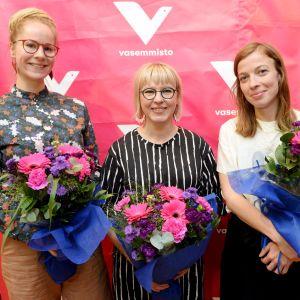 Vänsterförbundets nya ministrar Hanna Sarkkinen, Aino-Kaisa Pekonen och Li Andersson.