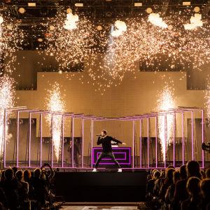 Sebastian Rejman esittää ensimmäisen UMK-kappaleen Release me Logomolla 2.3.2019