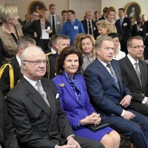 Kungaparet bekantar sig med finländska start up-företag på onsdagen.