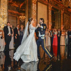 Prinsessan Sofias och prins Carl Philips bröllopsvals.