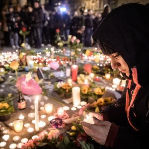 Place de la Bourse i Bryssel efter terrorattackerna i staden den 22.3.2016.