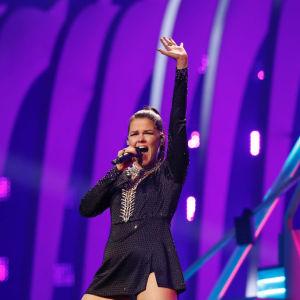 Saara Aalto Euroviisujen ensimmäisissä harjoituksissa.