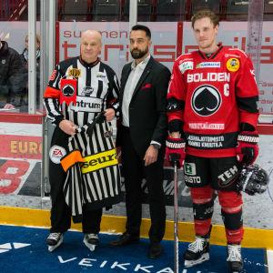 Domarlegendaren Jari Levonen gjorde sin sista match som domare.
