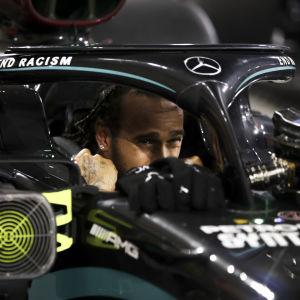 Lewis Hamilton i sin forme 1-bil