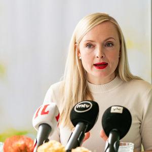 Maria Ohisalo Vihreiden puoluekokouksessa.