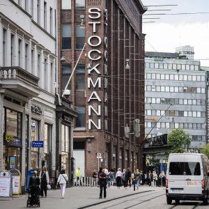 Kuvassa on Helsingin keskustan Stockmann elokuussa 2020.