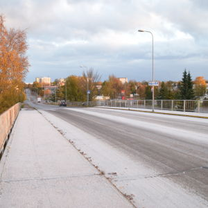 Järnvägsbron i Hangö som heter Halmstadsgatan.