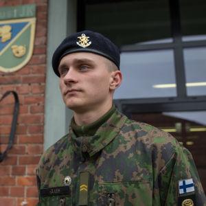 Ahvenanmaalaiset asepalvelu / Conrad Häger  / alikersantti / Dragsvik / 09.10.2017