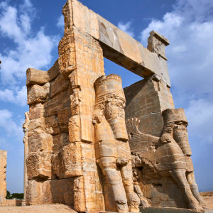 Alla folkens port i Persepolis i Iran.
