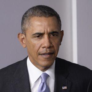 President Obama varnar Ryssland för att ingripa i Ukraina