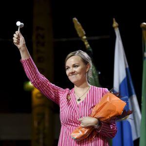 Katri Kulmuni strax efter att ha blivit vald till Centerns partiledare