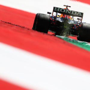 Max Verstappen Itävallan gp:n harjoituksissa.