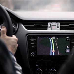 Henkilöauton navigaattori.