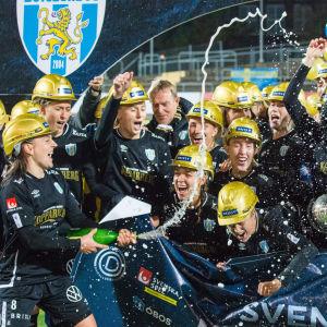 I mitten av november säkrade Göteborg FC sitt första mästerskap någonsin.