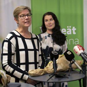 Krista mikkonen och emma kari