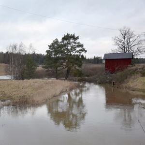 Vy över översvämmad åker